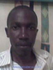 omondipeter 35 y.o. from USA