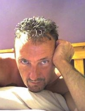 paulie1971 47 y.o. from UK
