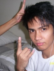 Gil mark 32 y.o. from Philippines