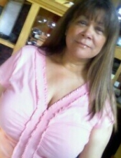 gloria 67 y.o. from USA