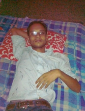 Rajiul 33 y.o. from Bangladesh