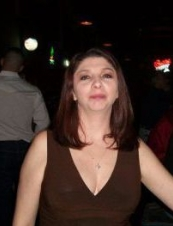 Laura 41 y.o. from USA