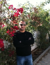 Chaker 38 y.o. from Tunisia