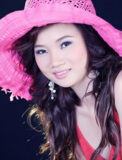 Thao 33 y.o. from USA
