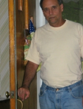 Robert 56 y.o. from USA