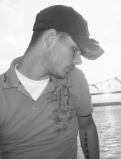 damon 33 y.o. from USA