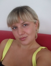 Julie 39 y.o. from USA