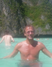 kjell are 53 y.o. from Norway