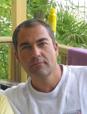 yannick 51 y.o. from France
