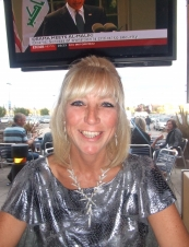 Dianne 60 y.o. from UK
