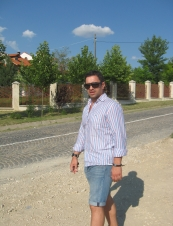 octav 43 y.o. from Romania