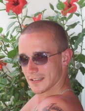 simon 40 y.o. from UK