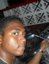 chris 25 y.o. from Seychelles