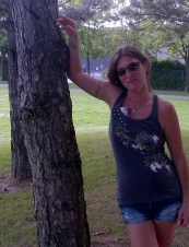 Isabel 46 y.o. from Canada