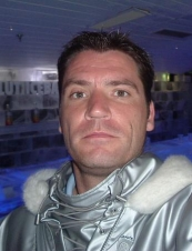 Elias 46 y.o. from USA