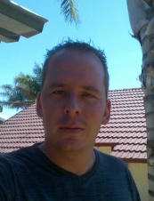Lourens 35 y.o. from South Africa