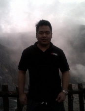luciano 36 y.o. from Indonesia