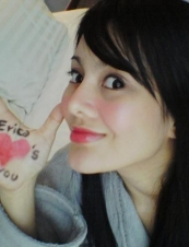 Erica  29 y.o. from USA