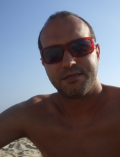 miguel 48 y.o. from UK
