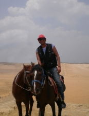 Tom 37 y.o. from Egypt