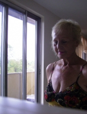judy 77 y.o. from USA