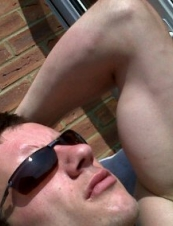 nicky 34 y.o. from UK