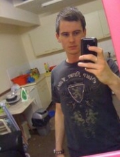 carl 33 y.o. from UK