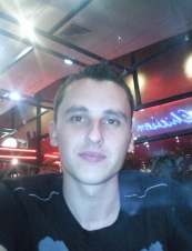 razvan 30 y.o. from Romania