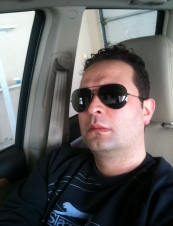 hussein 43 y.o. from UAE