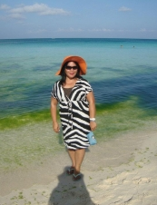 cora 58 y.o. from USA