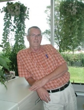 henry 75 y.o. from USA