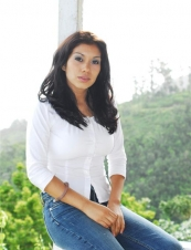 julie 38 y.o. from USA