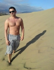 chris 45 y.o. from UK