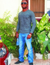 Romic 35 y.o. from Togo