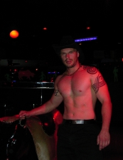 chris 38 y.o. from UK