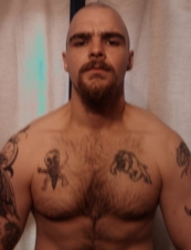 robin 35 y.o. from UK